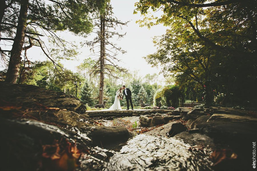 Deanna and Christopher's Fall Wedding at FEAST at Round Hill Photo by EIN Photography