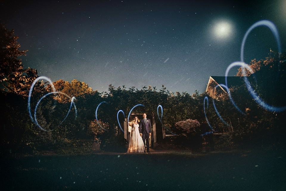 Newlyweds under the stars (Matt Stallone Photography)