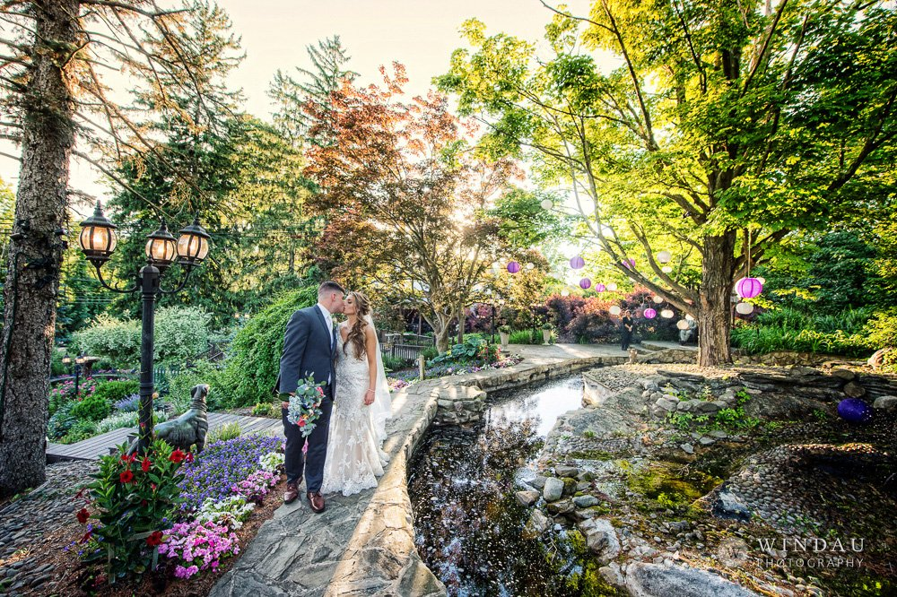 Jackie and Justin's Spring Wedding at FEAST at Round Hill