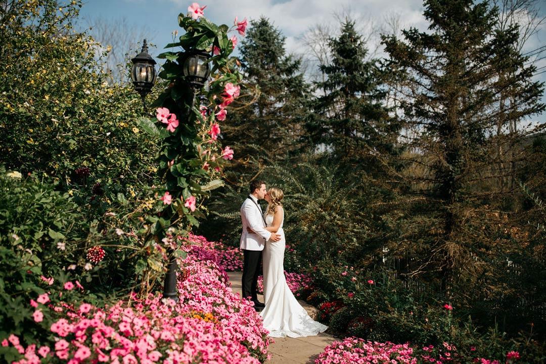 Kelley and Tom's September Garden Wedding (Alicia Martire Photography)