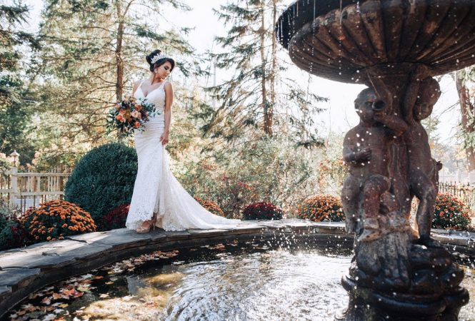 Styled Wedding Shoot at the fountain at Round Hill