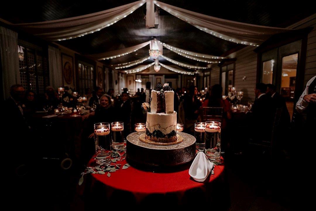 Ruthi and Hamer's November Wedding Cake by DNA Photography