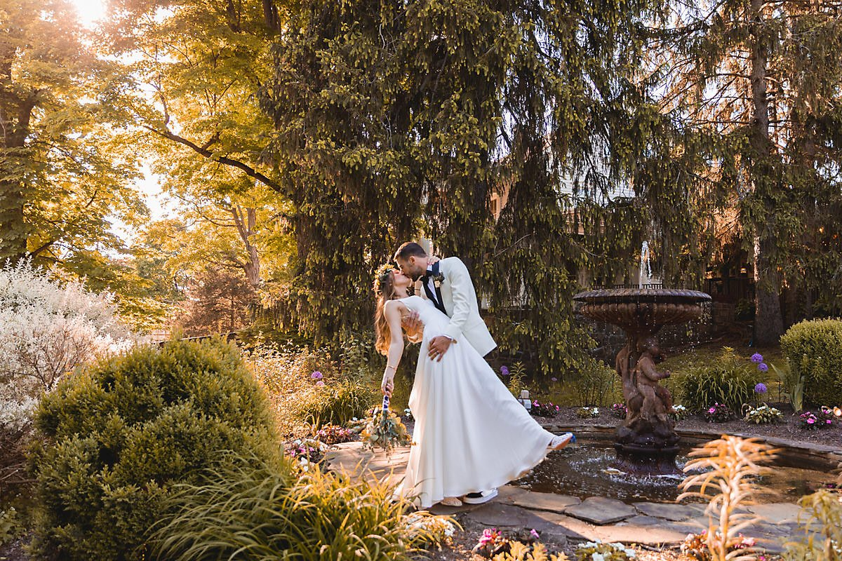 Teresa and Joe's Spring Wedding with Spring Wedding Colors to Brighten Your Day